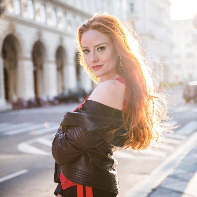 Sommerabend in Wien  summernight redhead abendsonne summerevening sportstyle redheadsdoitbetter