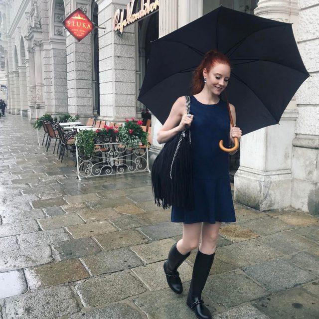 Das schne an Regentagen ist dass ich meine coolen Gummistiefelhellip